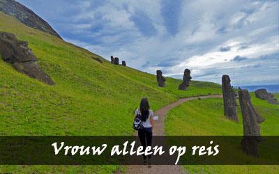 Vrouw alleen reizen - Paaseiland Rano Raraku