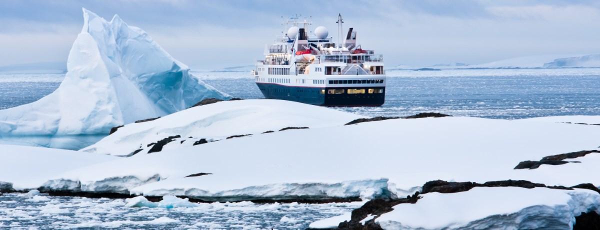 Antarctica reis met cruise schip