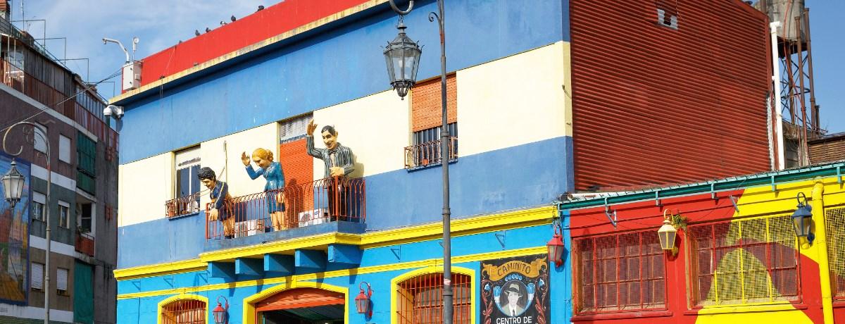 Caminito straat in de wijk La Boca in Buenos Aires, Argentinië