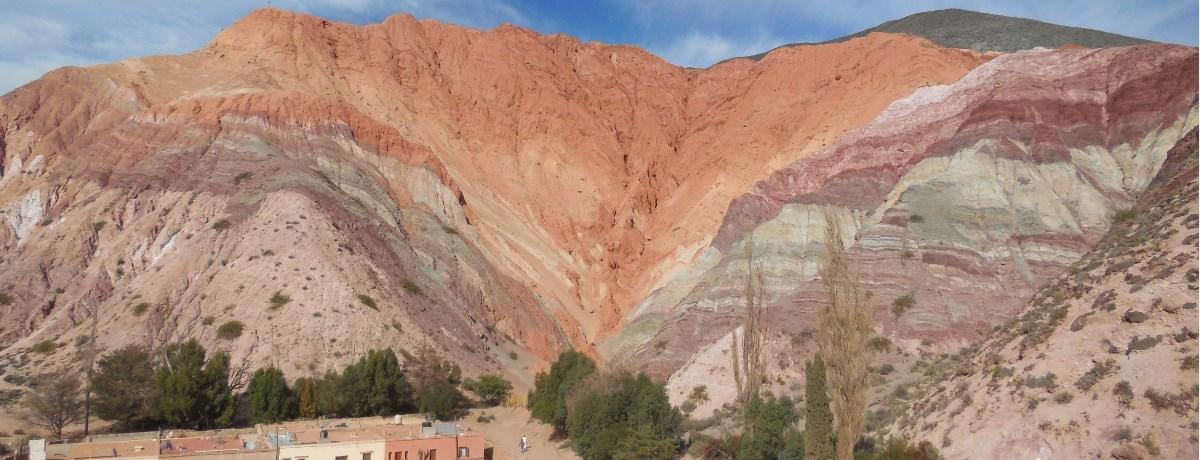 Purmamarca is een woestijndorp in het Jujuy gebied in het noorden van Argentinië