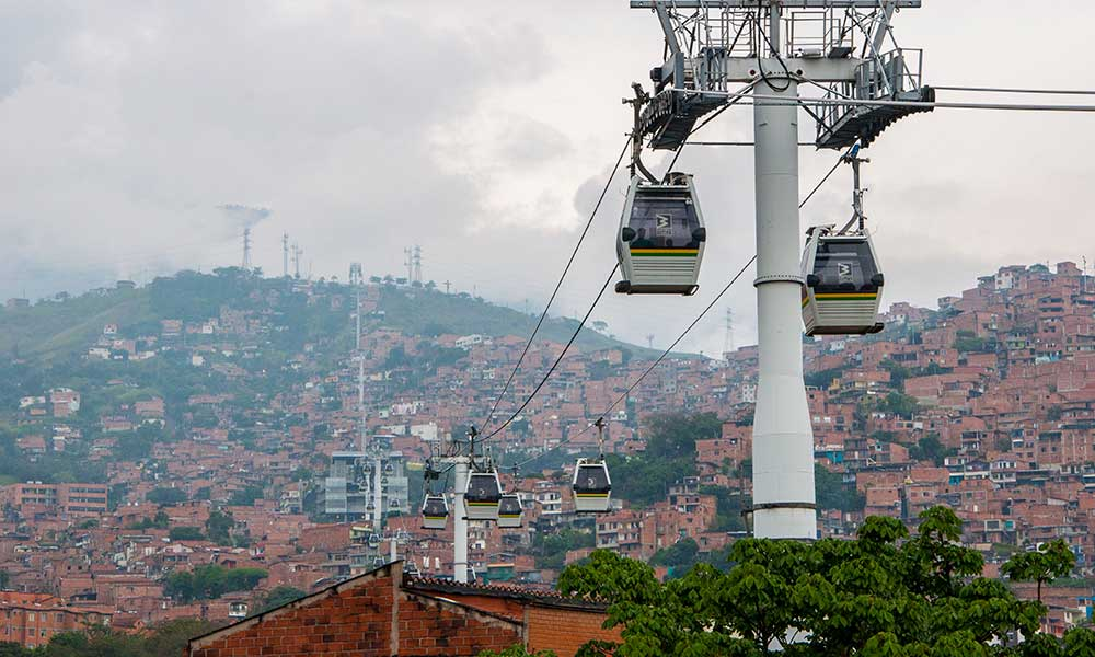 De kabelbaan in Medellin is een veel gebruikt openbaar vervoersmiddel